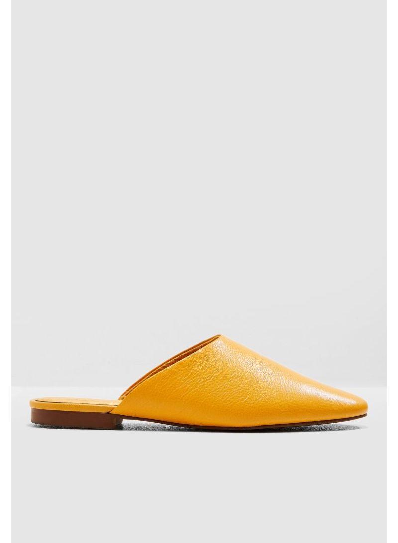 Lira Flat Shoes